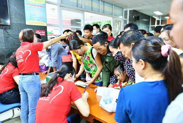 Tầm soát bệnh tim bẩm sinh cho hơn 1.400 trẻ em vùng cao tại Hà Giang - Ảnh 11.