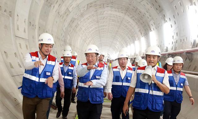 Phó Thủ tướng Phạm Bình Minh thị sát tuyến metro số 1 của TP.HCM - Ảnh 9.