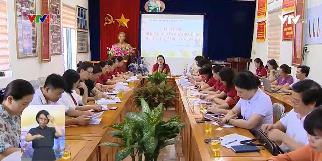 Giáo viên được học để sử dụng sách giáo khoa lớp 1 mới - Ảnh 1.