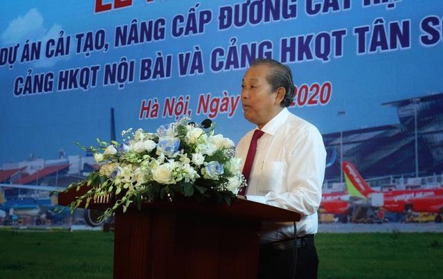 Bắt đầu cải tạo, nâng cấp các đường bằng tại sân bay Nội Bài và Tân Sơn Nhất - Ảnh 1.