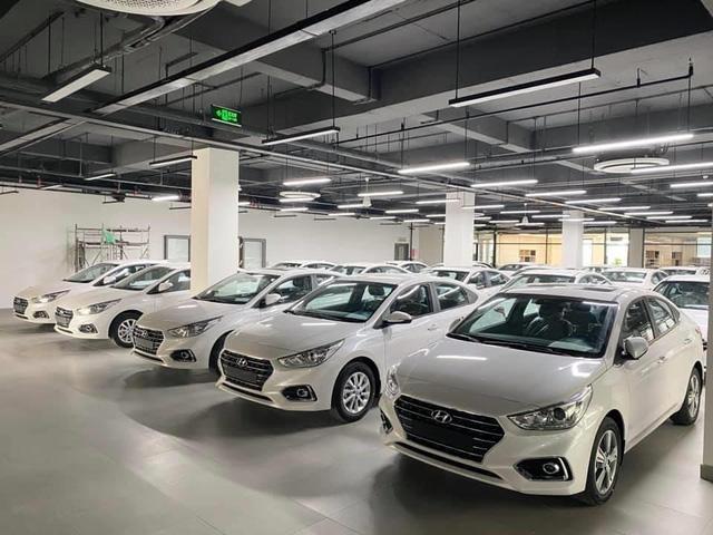 Giao dịch xe tăng 300% khi chính sách giảm 50% phí trước bạ có hiệu lực - Ảnh 1.