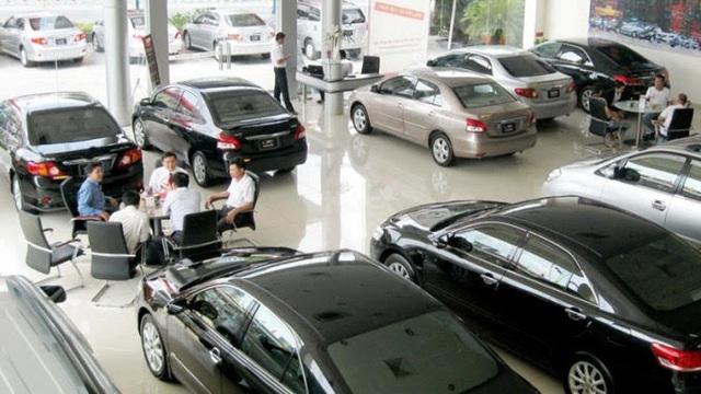 Giao dịch xe tăng 300% khi chính sách giảm 50% phí trước bạ có hiệu lực - Ảnh 2.
