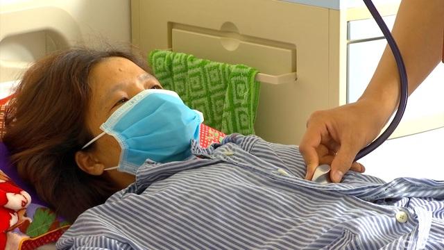 Nguy cơ ung thư phổi vì hút thuốc lá thụ động - Ảnh 1.