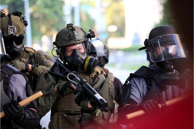 Tổng thống Mỹ có được phép dùng quân đội ứng phó với biểu tình bạo động? - Ảnh 1.