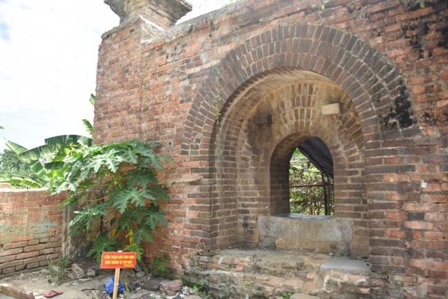 Hai cổng gạch mới phát hiện ở Kinh thành Huế: Có thể là chỗ đặt đại bác - Ảnh 1.