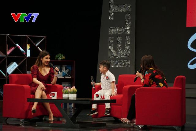 IELTS FACE-OFF số 8: Gặp gỡ với em bé 18 tháng tuổi đã nói được tiếng Anh - Ảnh 1.