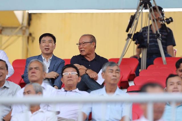 Chùm ảnh: CLB Viettel thắng đậm CLB Quảng Nam ngay trên sân khách (Vòng 7 V.League 2020) - Ảnh 1.