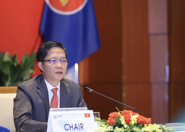 Việt Nam cùng các nước ASEAN chung tay hành động ứng phó với đại dịch COVID-19 - Ảnh 1.