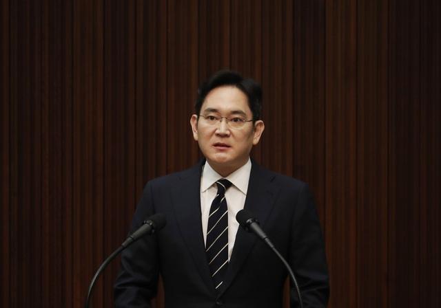 Hàn Quốc muốn bắt người thừa kế Samsung - Ảnh 1.