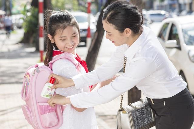 Ba mẹ cần làm gì để bảo vệ sức khoẻ gia đình trong giai đoạn bình thường mới - Ảnh 3.