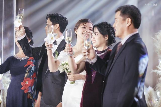 ẢNH: Công Phượng bảnh bao trong lễ đính hôn - Ảnh 8.
