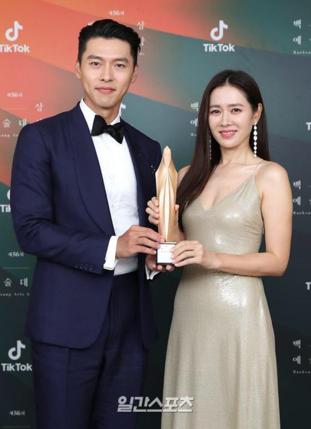 Baeksang Hàn Quốc lần thứ 56: Cặp đôi Hạ cánh nơi anh bị giải thưởng ngó lơ, dàn sao Thế giới hôn nhân thắng lớn - Ảnh 4.