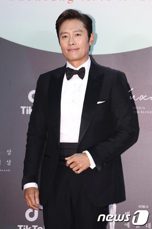Baeksang Hàn Quốc lần thứ 56: Cặp đôi Hạ cánh nơi anh bị giải thưởng ngó lơ, dàn sao Thế giới hôn nhân thắng lớn - Ảnh 6.