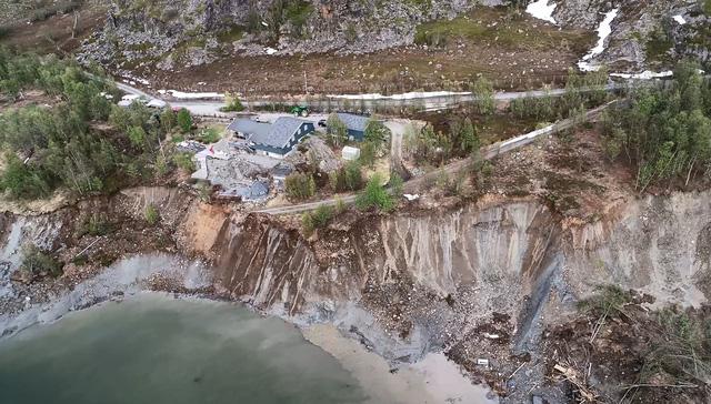 Lở đất kinh hoàng tại Na Uy, hàng loạt ngôi nhà bị cuốn ra biển - Ảnh 5.