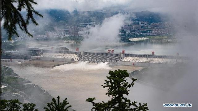 Mưa lũ lịch sử tại miền Nam Trung Quốc, đập Tam Hiệp phải hoạt động hết công suất - Ảnh 6.