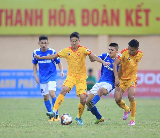 Chùm ảnh: Đình Tùng và Samson tỏa sáng, CLB Thanh Hóa đánh bại Than Quảng Ninh (Vòng 7 V.League) - Ảnh 1.