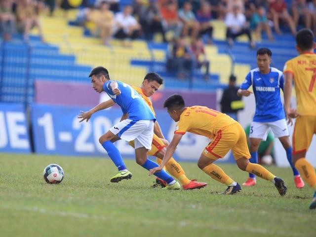 Chùm ảnh: Đình Tùng và Samson tỏa sáng, CLB Thanh Hóa đánh bại Than Quảng Ninh (Vòng 7 V.League) - Ảnh 2.