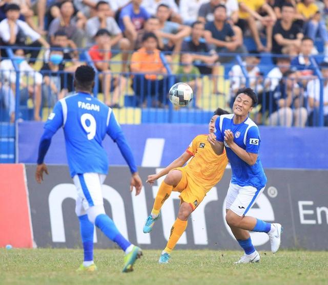 Chùm ảnh: Đình Tùng và Samson tỏa sáng, CLB Thanh Hóa đánh bại Than Quảng Ninh (Vòng 7 V.League) - Ảnh 7.
