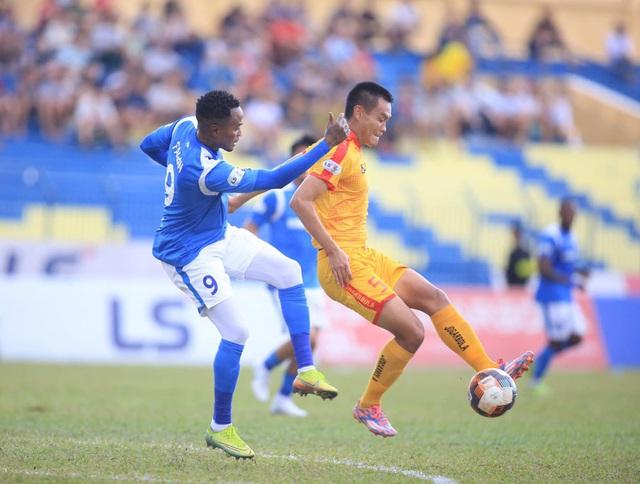 Chùm ảnh: Đình Tùng và Samson tỏa sáng, CLB Thanh Hóa đánh bại Than Quảng Ninh (Vòng 7 V.League) - Ảnh 8.