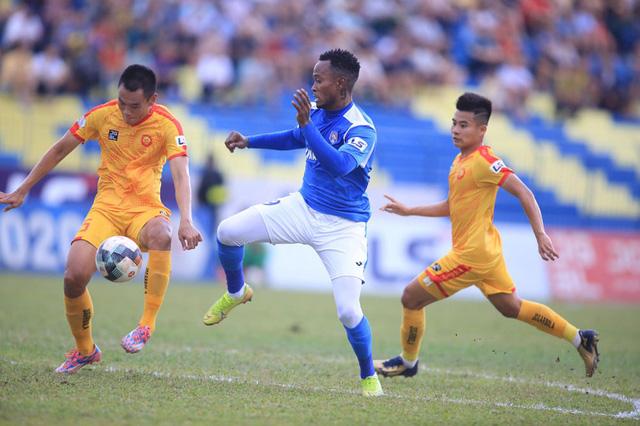 Chùm ảnh: Đình Tùng và Samson tỏa sáng, CLB Thanh Hóa đánh bại Than Quảng Ninh (Vòng 7 V.League) - Ảnh 9.