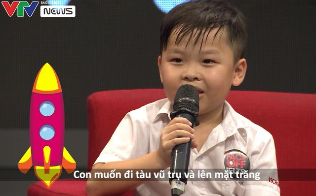 Cậu bé biết nói tiếng Anh bẩm sinh ở Hà Tĩnh: Chúng tự nảy ra trong đầu cháu - Ảnh 2.