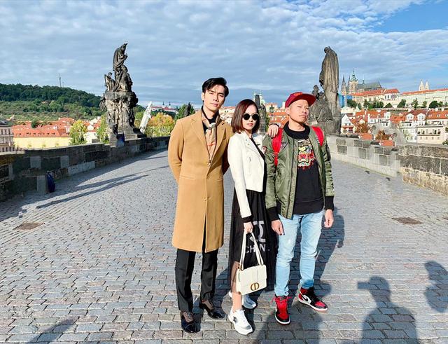 Nhớ Praha, Lã Thanh Huyền tung loạt ảnh hậu trường Tình yêu và tham vọng - Ảnh 1.