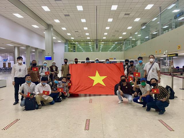 Thủ tướng: Đưa ngay 219 công dân Việt Nam tại Guinea Xích Đạo về nước  - Ảnh 1.