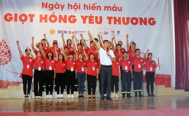 Tiếp nhận 559 đơn vị máu trong ngày hội hiến máu Giọt hồng yêu thương tại Sơn La - Ảnh 1.