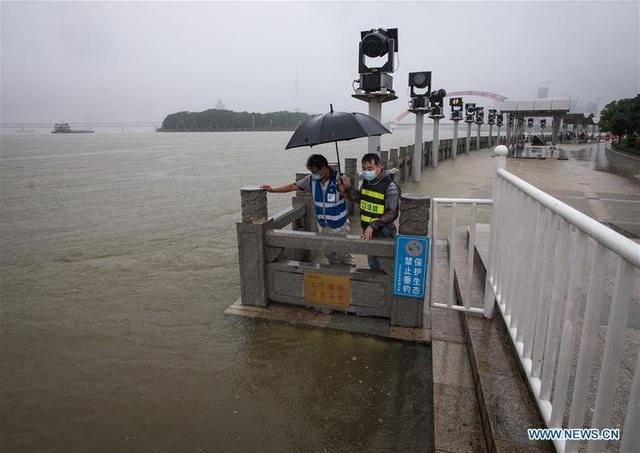 Trung Quốc: Mưa lũ trên diện rộng, tỉnh Phúc Kiến đưa ra cảnh báo cao nhất - Ảnh 1.