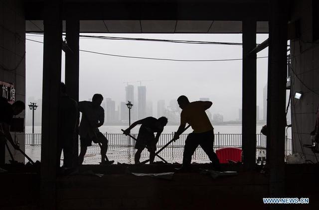 Trung Quốc: Mưa lũ trên diện rộng, tỉnh Phúc Kiến đưa ra cảnh báo cao nhất - Ảnh 3.