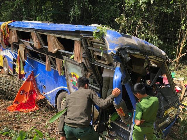 Vị trí xảy ra tai nạn xe khách lao xuống vực tại Kon Tum là điểm đen phải xóa bỏ - Ảnh 2.