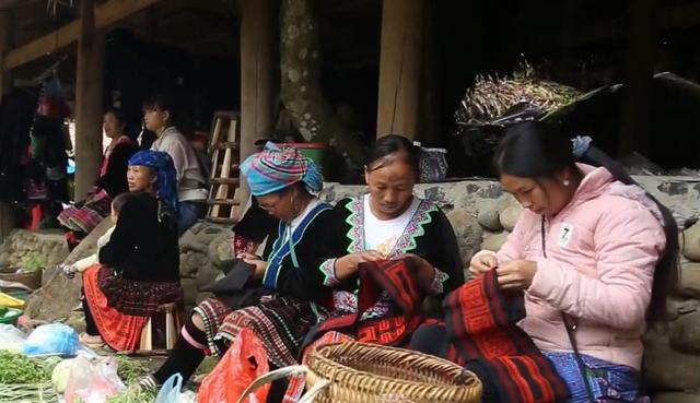 Du lịch cộng đồng - Chìa khóa thoát nghèo cho người HMông (Lai Châu)  - Ảnh 1.