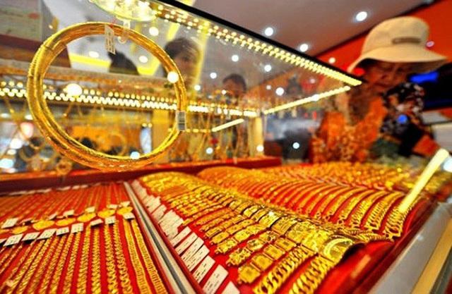 Giá vàng trong nước áp sát mốc 55 triệu đồng/lượng - Ảnh 1.