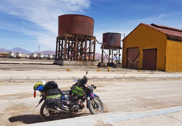 Người Việt Nam đầu tiên đi xe máy vòng quanh thế giới và bí quyết vàng cho một cuộc đi phượt dài hơi - ảnh 2