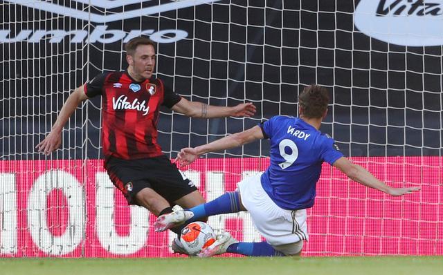 Bournemouth 4-1 Leicester City: Thua sốc đội cầm đèn đỏ, Bầy Cáo nguy cơ bật khỏi top 4 - Ảnh 1.