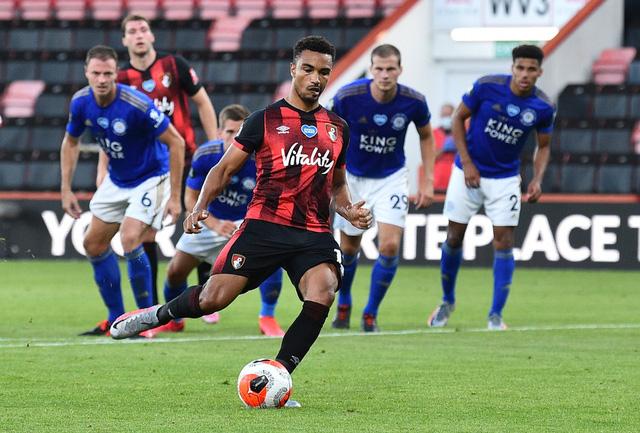Bournemouth 4-1 Leicester City: Thua sốc đội cầm đèn đỏ, Bầy Cáo nguy cơ bật khỏi top 4 - Ảnh 2.