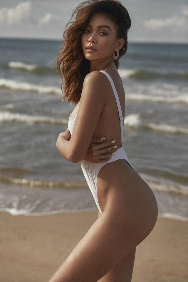 Mâu Thủy khoe bộ ảnh bikini với làn da nâu thiêu đốt bãi biển - Ảnh 7.