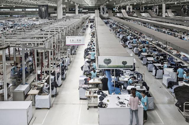 Ngôi vị công xưởng thế giới của Trung Quốc có dễ bị đe dọa? - Ảnh 1.