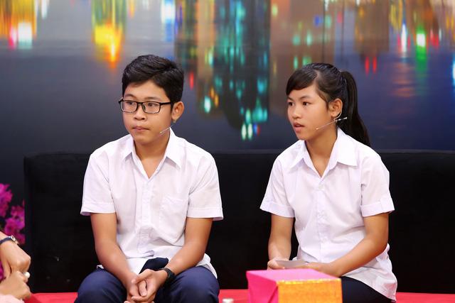 Hai bé 14 tuổi không có giấy khai sinh, bị ba mẹ bỏ rơi, vẫn khát khao đến trường - ảnh 1