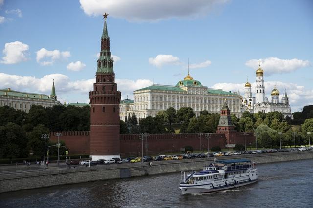 Nga bỏ quy định cách ly đối với du khách: Làn sóng COVID-19 thứ hai là điều không thể tránh khỏi - ảnh 1