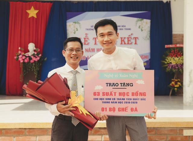 """Cựu """"học sinh cá biệt"""" Xuân Nghị trao 63 suất học bổng tại trường cũ - Ảnh 4."""