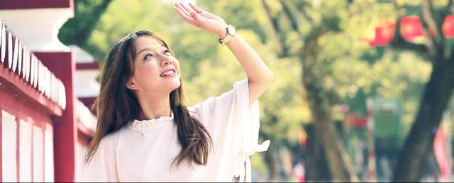 Nữ MC Cafe Sáng với VTV3 bất ngờ tiết lộ bị bệnh có thể mù hai mắt - Ảnh 3.