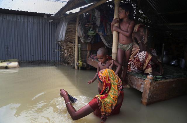 Ấn Độ: Lũ lụt nghiêm trọng tại Assam, hơn 100 người thiệt mạng - Ảnh 3.