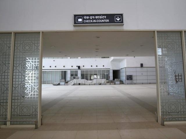 Câu chuyện bí ẩn đằng sau 9 sân bay bị bỏ hoang - Ảnh 2.