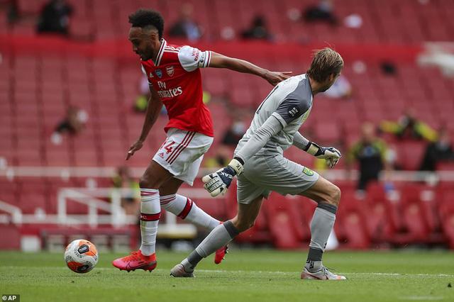 Arsenal 4-0 Norwich: Auba cán mốc 50 bàn thắng, Soares ra mắt hoàn hảo! - Ảnh 1.
