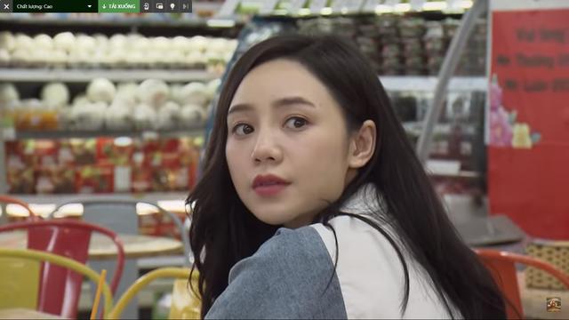 Đừng bắt em phải quên - Tập 20: Vừa thả thính nhẹ Ngọc, Duy bị bắt gặp đi siêu thị cùng gái lạ - Ảnh 3.