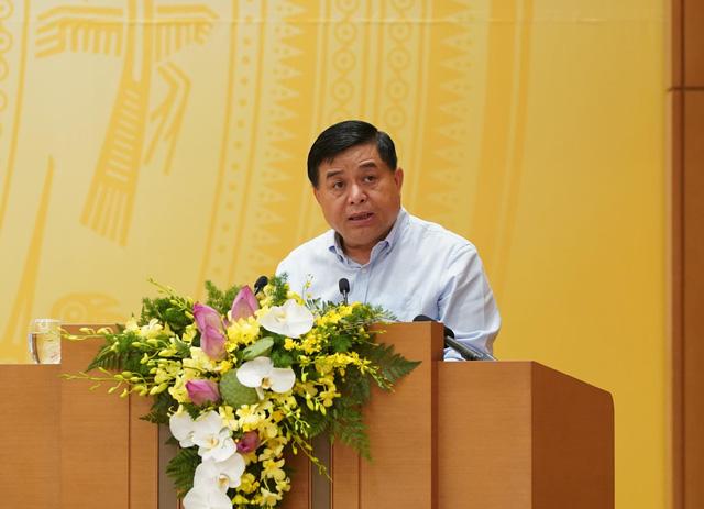 Bộ trưởng Nguyễn Chí Dũng: Chống suy thoái kinh tế như chống giặc - Ảnh 1.