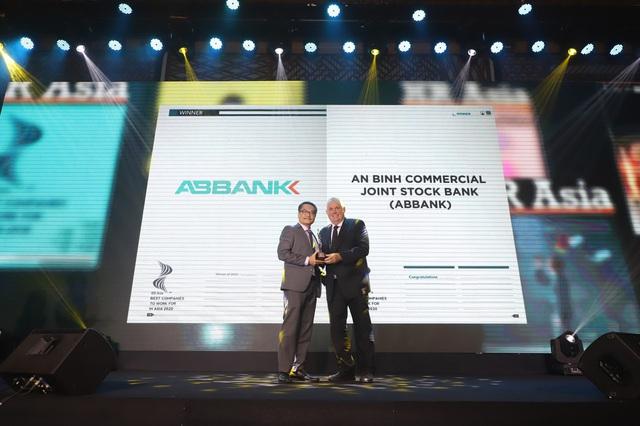 VNG và ABBank được vinh danh là Nơi làm việc tốt nhất Châu Á - Ảnh 2.