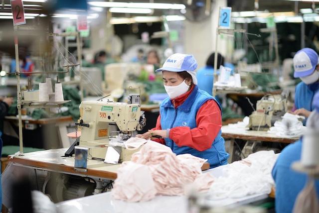 Bộ trưởng Nguyễn Chí Dũng: Chống suy thoái kinh tế như chống giặc - Ảnh 2.
