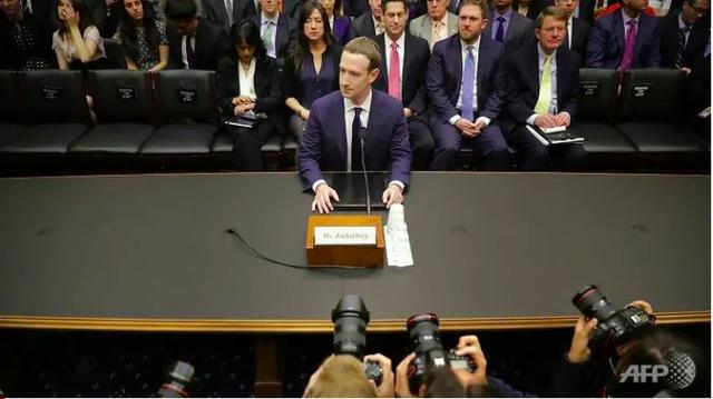 Vì sao Mark Zuckerberg vẫn dửng dưng trước làn sóng tẩy chay Facebook? - ảnh 1